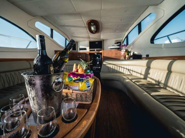Яхта Blue marlin Bali внутренний интерьер, фото 7