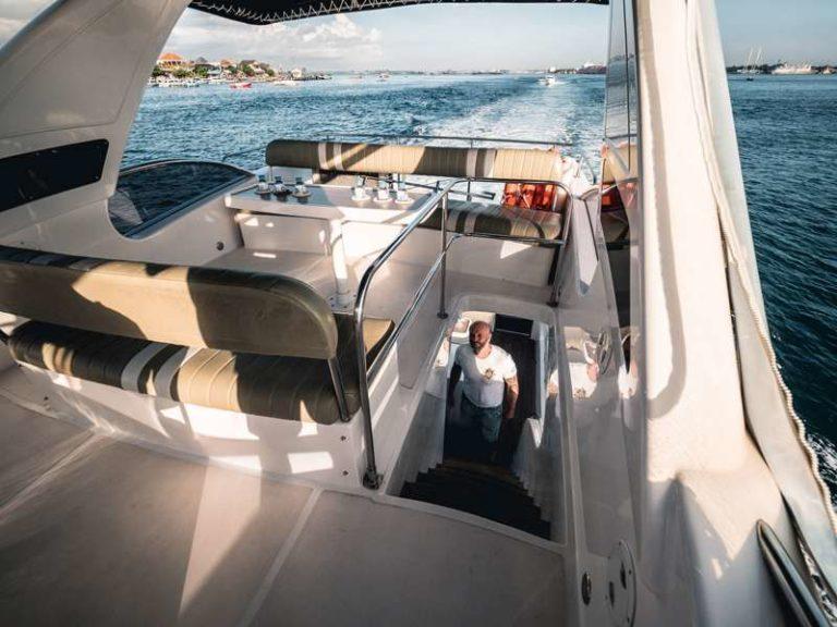 Яхта Blue marlin Bali на палубе, фото 2