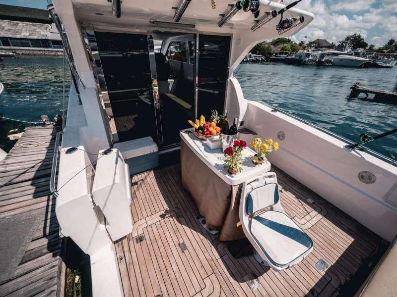 Скоростная яхта Accura 49 на Бали, фото 5